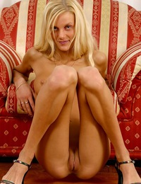Hot Blonde And Tanned Teen Uses Vibrator